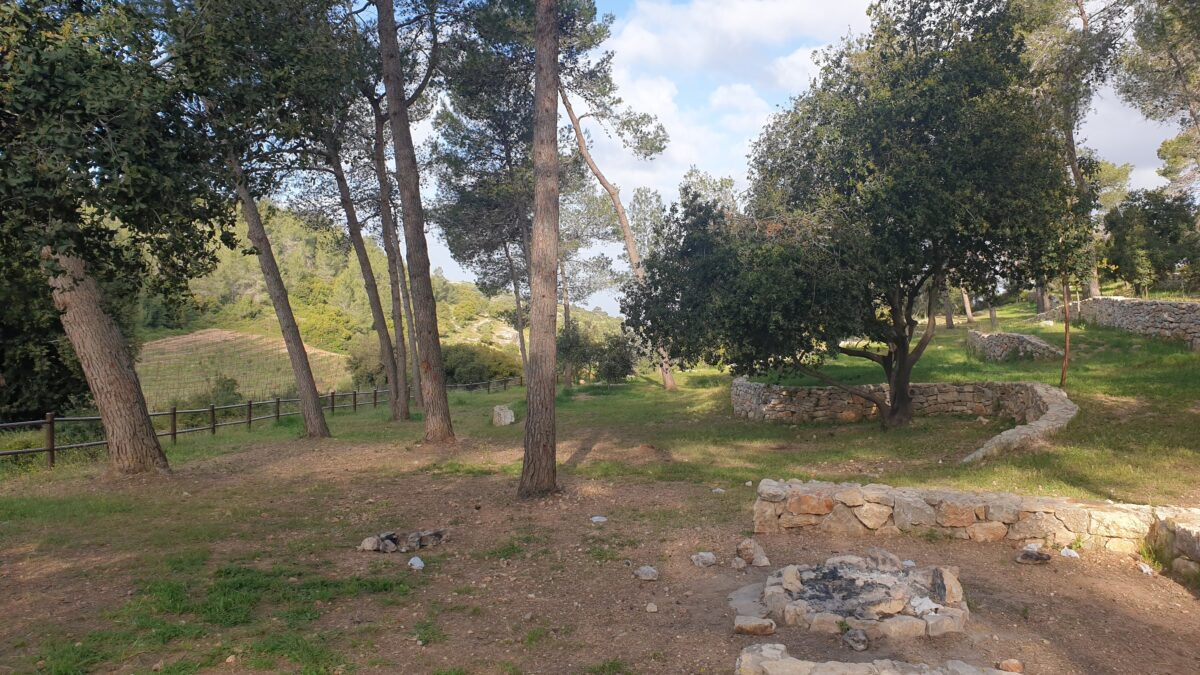 Nes Harim free camping site